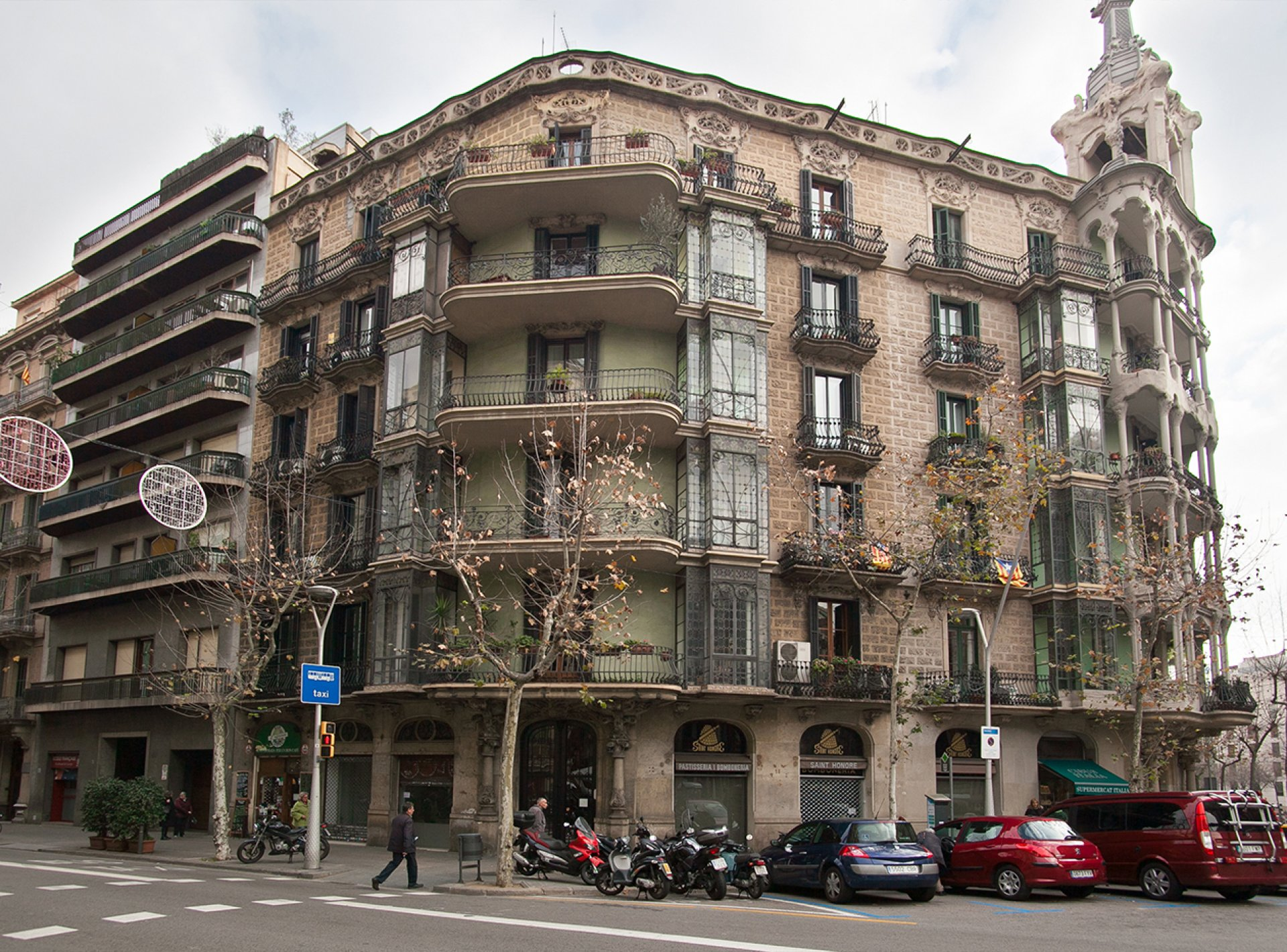 Beautiful 2 Bedroom Holiday Apartment to Rent in the Centre of Barcelona