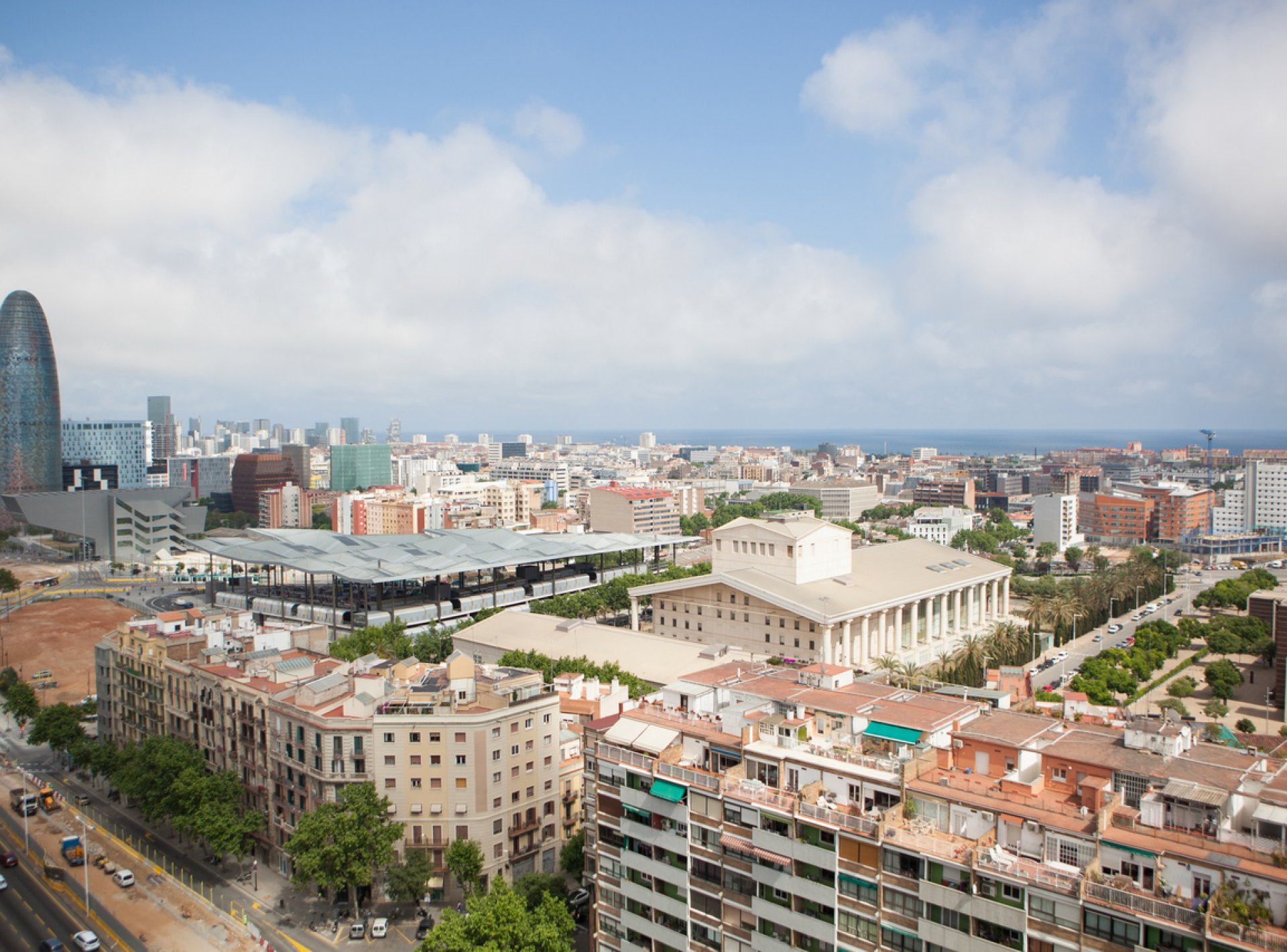 Luxury 2-Bedroom Holiday Apartment to rent in the Centre of Barcelona
