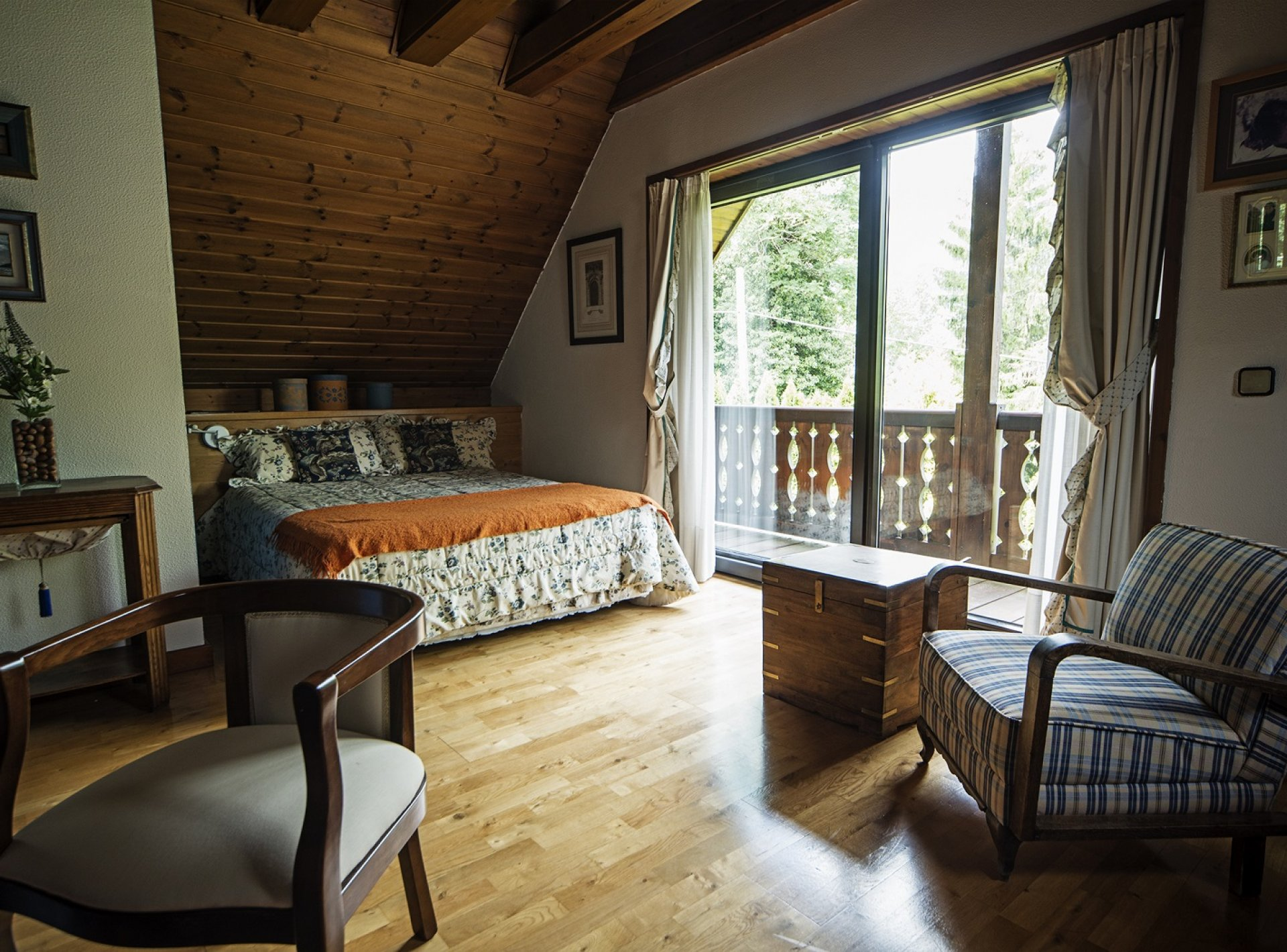 Luxury 4 Bedroom Chalet to Rent in the Pyrenees