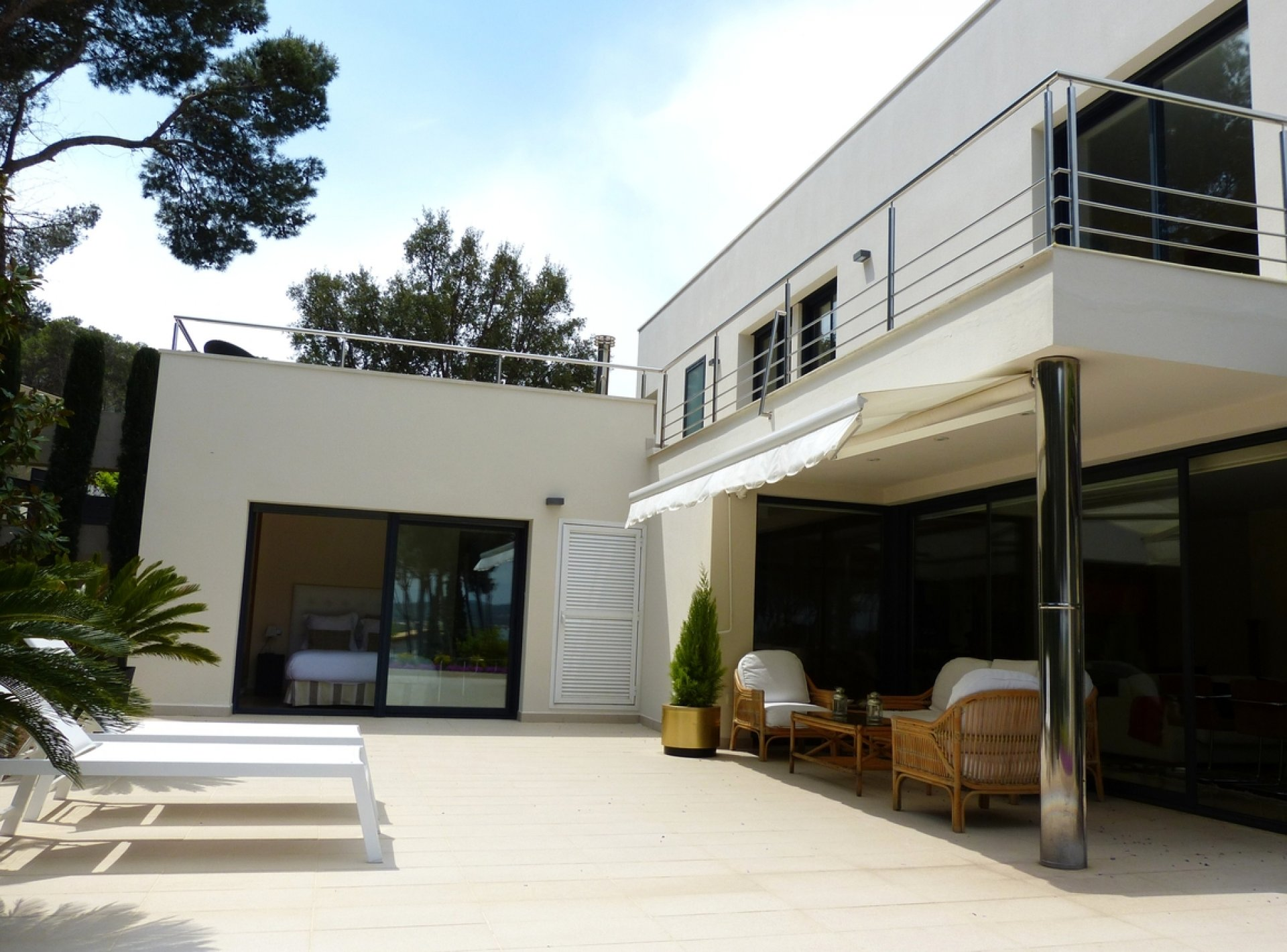 Modern 5 Bedroom Holiday Villa to Rent with Pool in Costa Brava