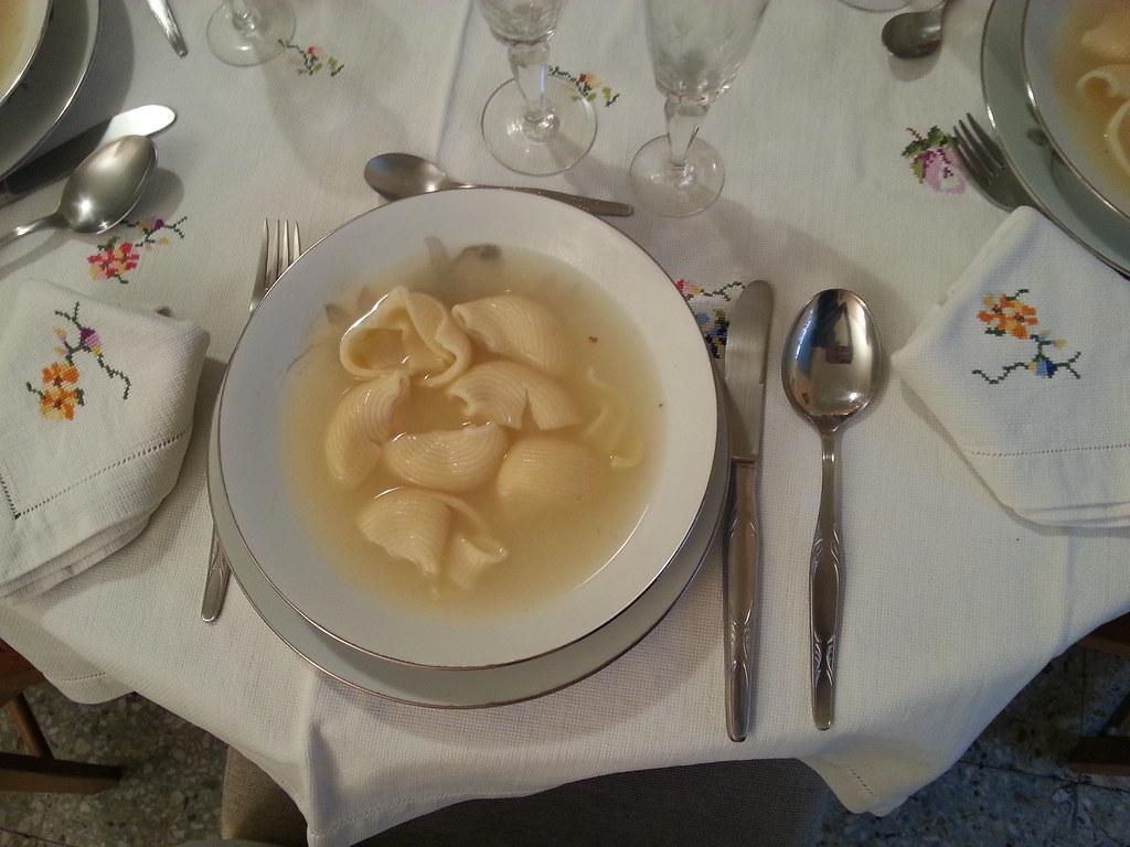 Sopa de galets amb pilota